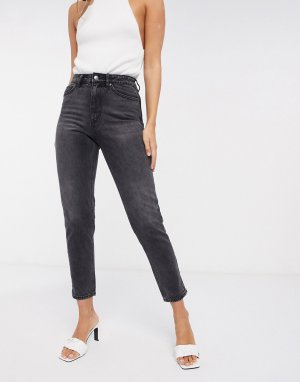 Vero Moda Joana mom jean with high rise in washed black